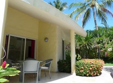 Charming ocean front 2 BR villa 17