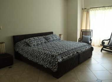 Comfortable 3 BR apartment 9