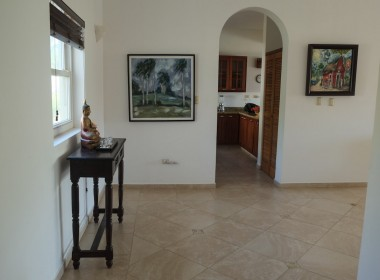 Large 3 BR apartment close to the beach 2