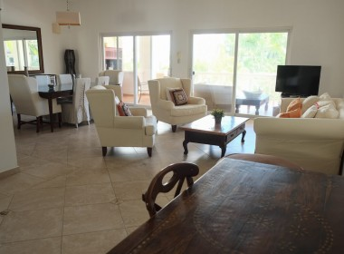 Large 3 BR apartment close to the beach 6