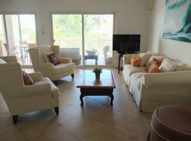 Large 3 BR apartment close to the beach 7