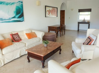 Large 3 BR apartment close to the beach 8
