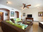 Luxury oceanfront condo, enjoy it ! 4