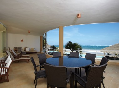 Luxury oceanfront condo, enjoy it ! 5