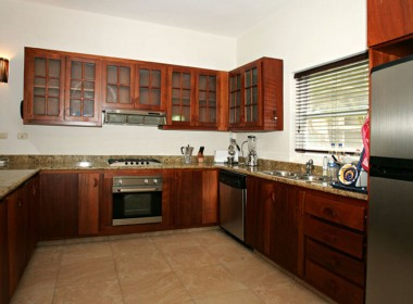 Comfortable 3 BR apartment 8