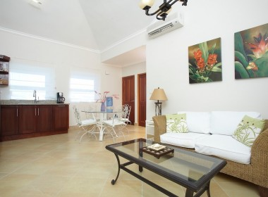 1 Bedroom Apartment close to beach 1