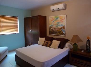 Beach Side 2 Bedroom Condo 7