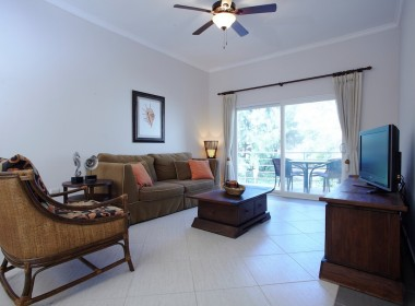 Cosy 1 bedroom close to the beach 2