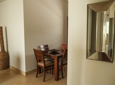 Restful 2 bedroom apartment 12