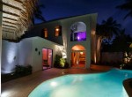 Newly renovated Beach side villa 5