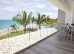 Magnificent Modern 2brd Plus- Beach front Condo 12