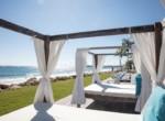 Magnificent Modern 2brd Plus- Beach front Condo 16