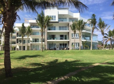 Stunning beachfront 2 br luxury contemporary condo 16