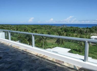 Luxury Beachfront house in Encuentro 21