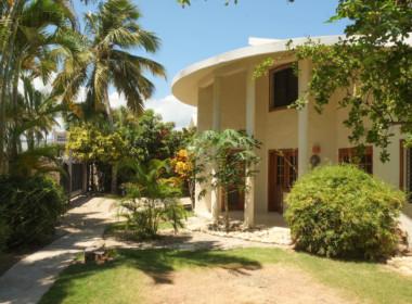 Beachfront Villa in Cabarete 35