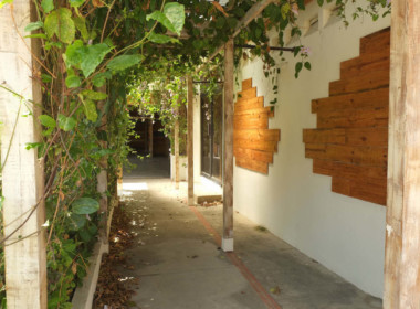 Small commercial building : Cabarete center 8