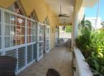 Luminous House Beachfront 25