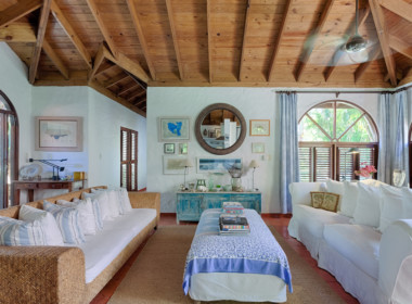 Sea Horse Ranch luxury villa for sale1