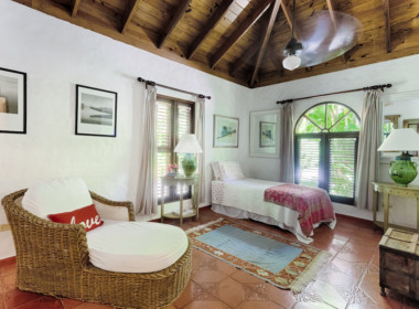 Sea Horse Ranch luxury villa for sale7