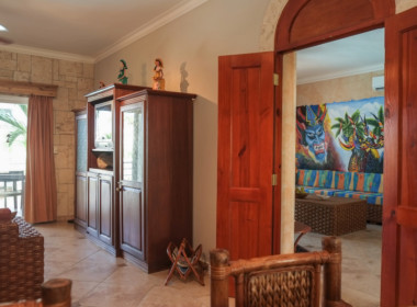 Tropical 4 BR condo for sale 12