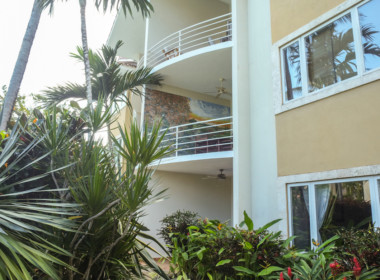 Tropical 4 BR condo for sale 22