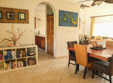 3-BR-Penthouse-with-cathedral-ceilings-12