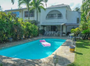 Charming house in Kite Beach 1