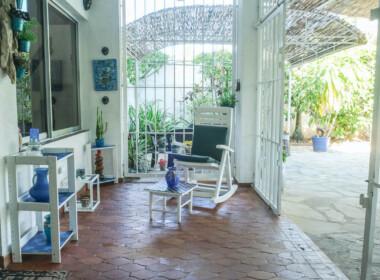 Charming house in Kite Beach 30