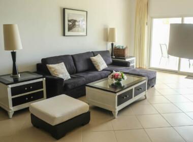 Stunning 2 bedroom condo in Ocean One10