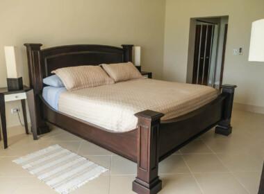 Stunning 2 bedroom condo in Ocean One16