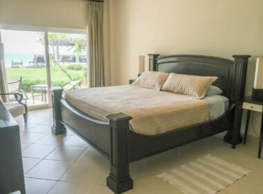 Stunning 2 bedroom condo in Ocean One17