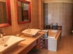 Stunning 2 bedroom condo in Ocean One20