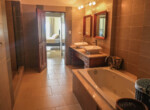 Stunning 2 bedroom condo in Ocean One21